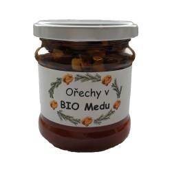 Lískové ořechy v BIO Medu