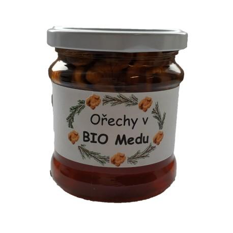 Vlašské ořechy v BIO Medu